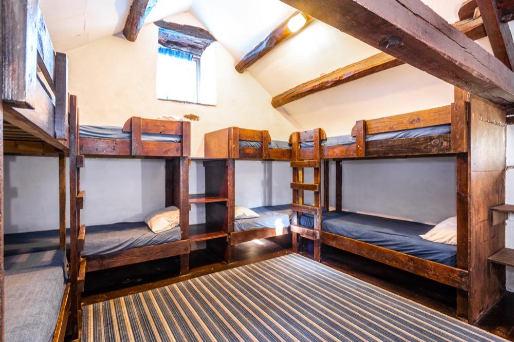 Pondside 8 dorm